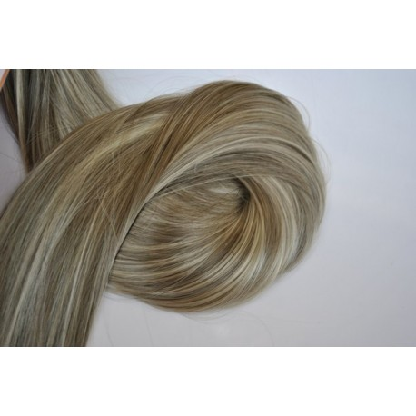 Волосы на заколках 1675